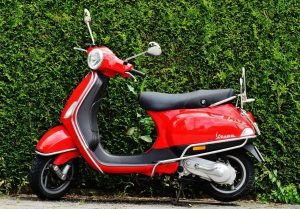 Permis moto payé par l'entreprise : comment faire ?