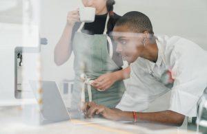 Quelles sont les démarches à effectuer pour bénéficier de l'abondement en tant que salarié ?