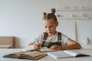 Quelle est la date de création de l'allocation de rentrée scolaire ?