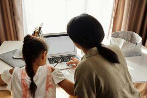 Qu'est-ce que la prime d'activité majorée pour parent isolé ?