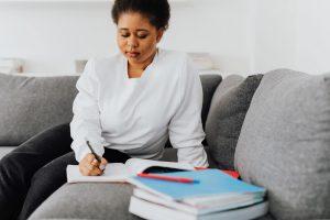 Quelle aide au retour à l'emploi (ARE) après l'apprentissage ?