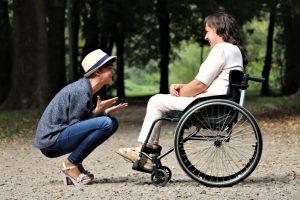 Peut-on bénéficier de la prime de Noël pour invalidité ?