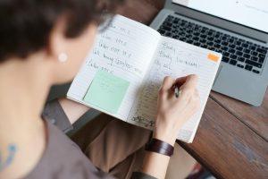 APA à domicile : conditions pour en bénéficier