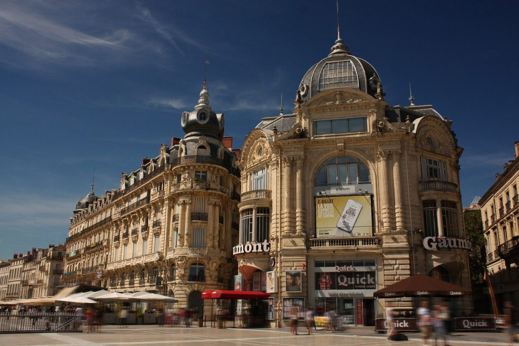 Etudiant à Rouen, puis-je bénéficier de la bourse du CROUS ?
