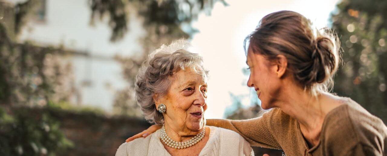 Quelles sont les solutions de financement pour une entrée en résidences seniors ou en EHPAD ?